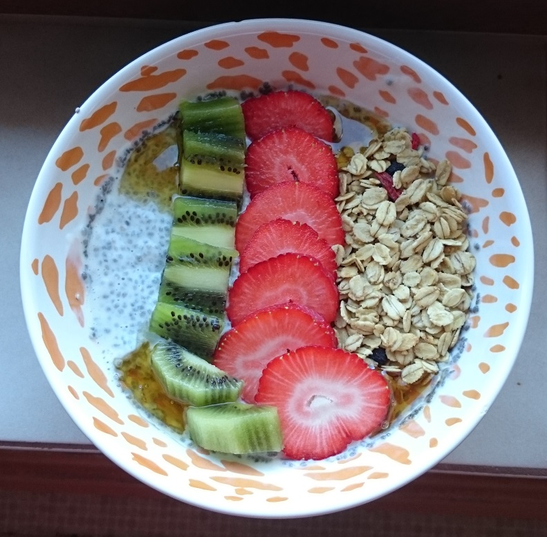 Chia-Pudding-Erdbeere-Kiwi