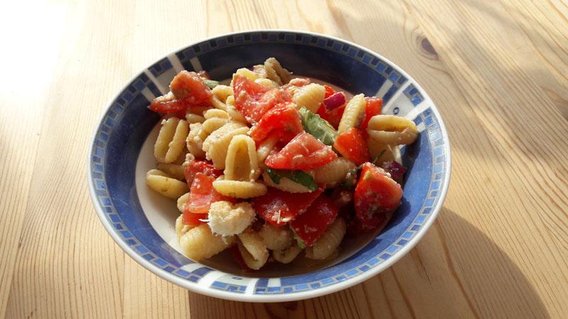 Tomaten Pasta Salat