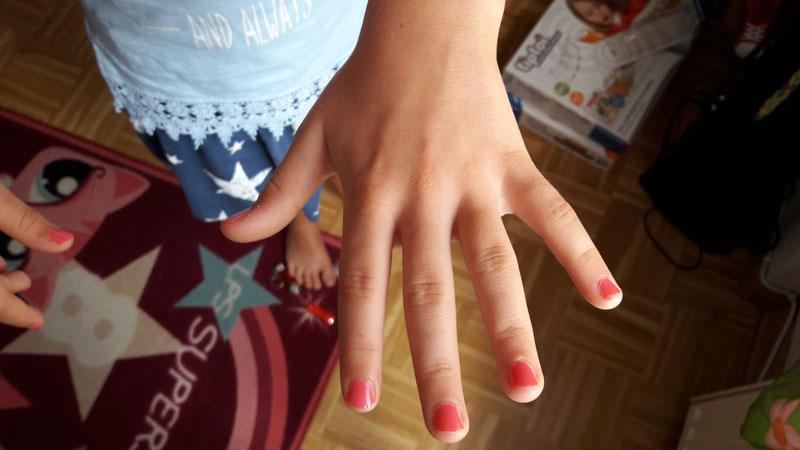 Pinke Fingernägel Geburtstag