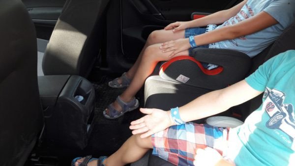 Meinen Kindern wirds im Auto schlecht – 8 Tipps gegen Reiseübelkeit im Auto